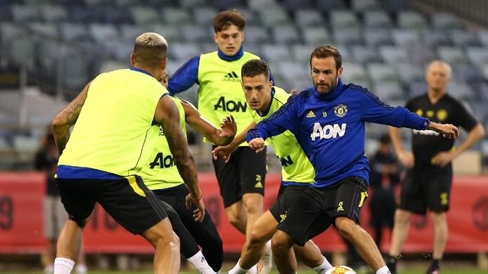 Manchester United akan melakoni laga perdana pramusim menghadapi Perth Glory (Paul Kane/Getty Images)