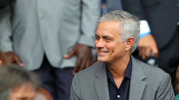 Jose Mourinho masih menganggur usai dipecat Manchester United bulan Desember tahun lalu. (Foto: Richard Heathcote/Getty Images)