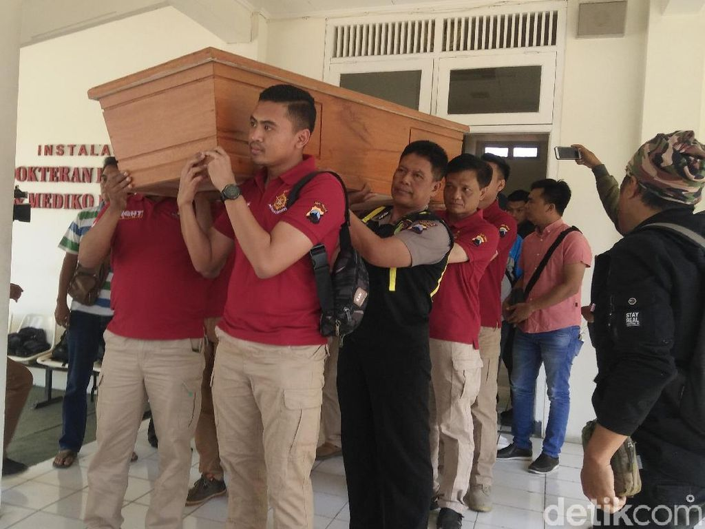 Video: Polisi Serahkan Jenazah Korban Mutilasi di Banyumas ke Keluarga