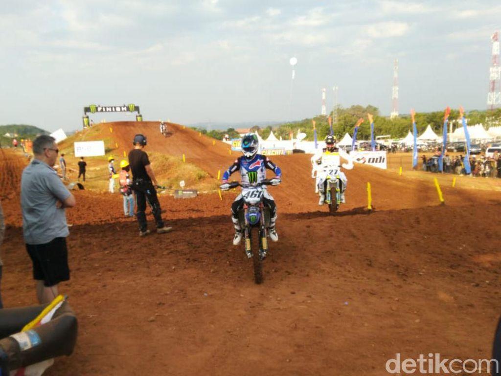 Tercepat di Kualifikasi, Romain Febvre Malah Gagal Finis Race 1 MXGP Semarang