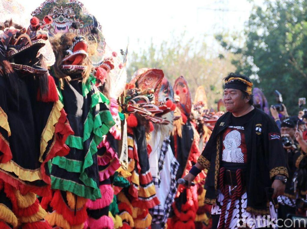 Ribuan Penari Barong Hibur Masyarakat Kediri