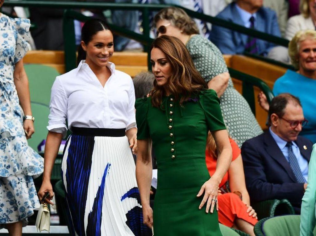 Foto: Meghan Markle & Kate Middleton Akrab di Wimbledon, Bantah Isu Tak Akur