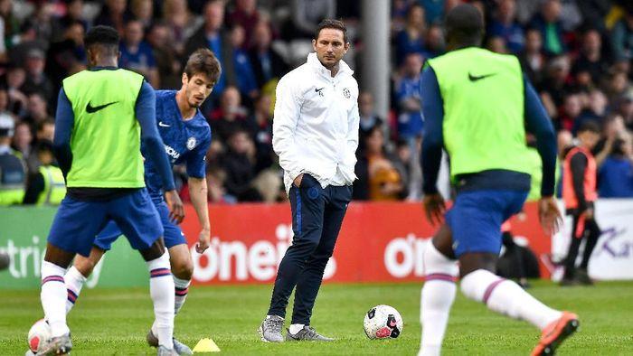 Frank Lampard di salah satu pertandingan Chelsea. (Foto: Charles McQuillan/Getty Images)