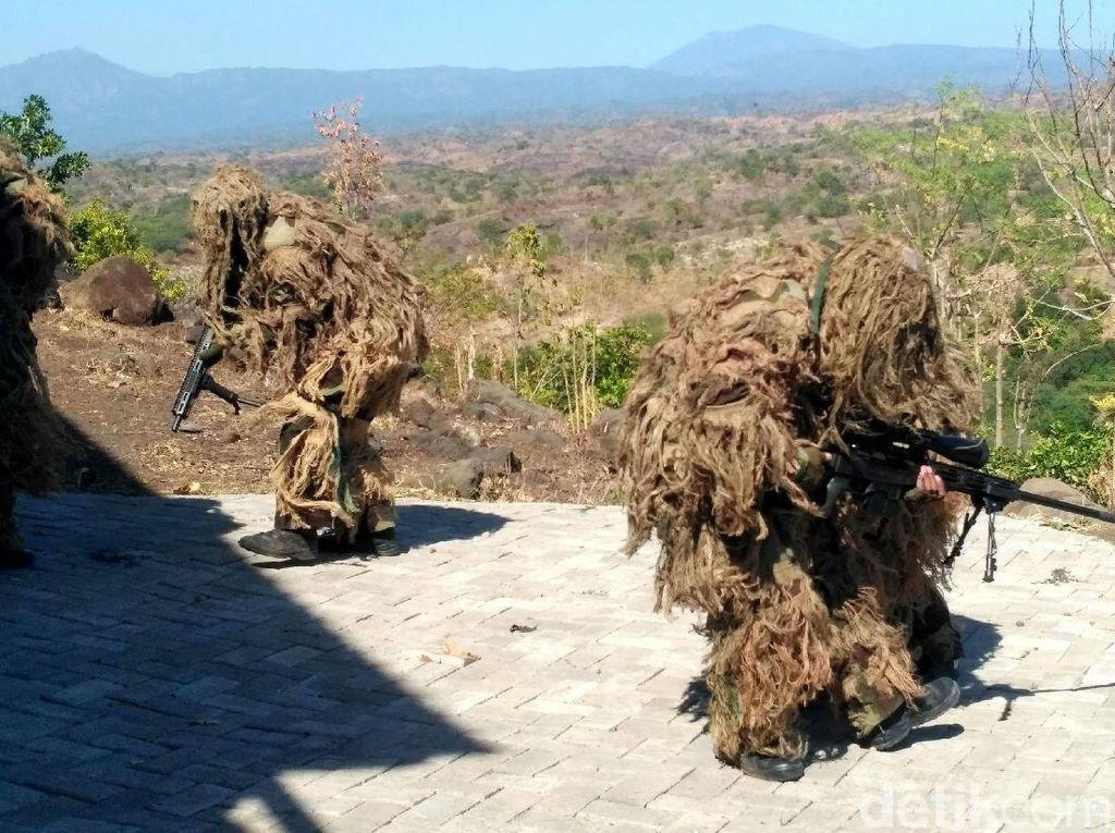 Melihat Latihan Perang TNI AL di Situbondo