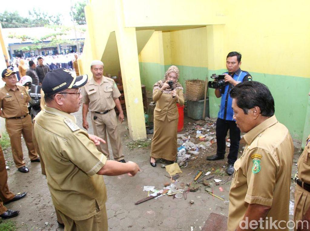 Hari Pertama Sekolah, Wawali Medan Kecewa Banyak Sampah di SMP 27