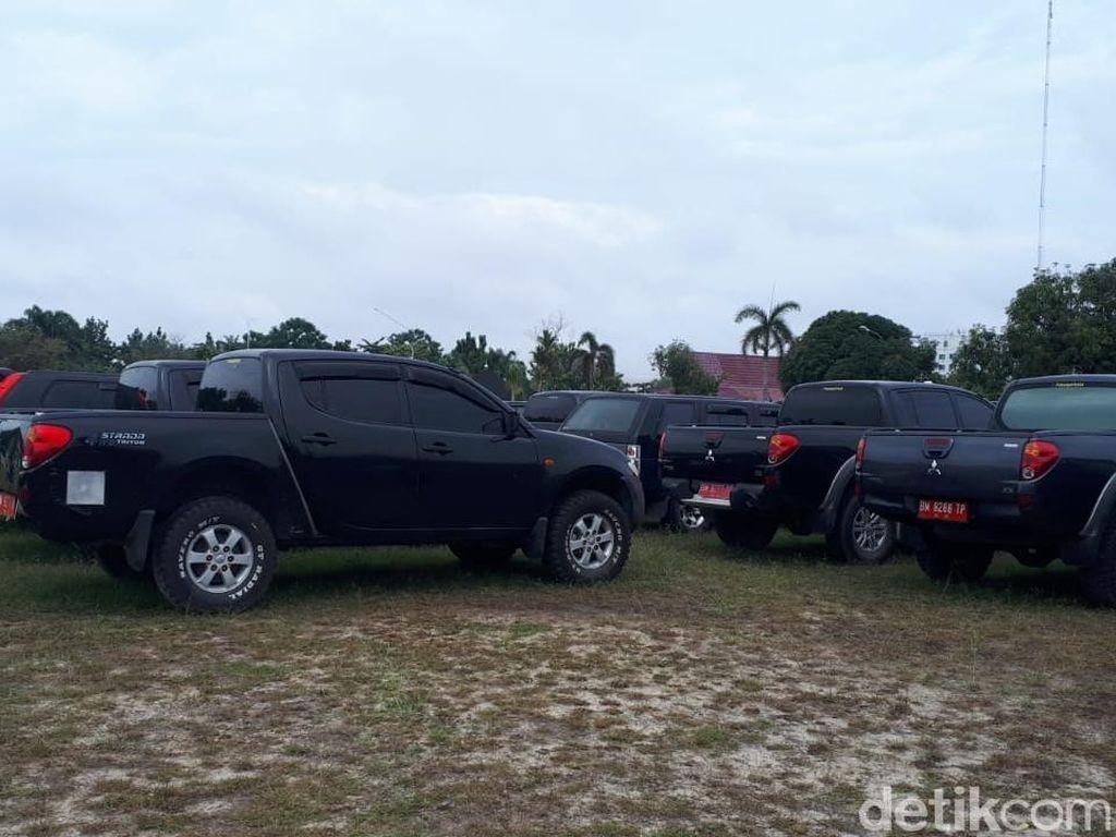 Sebagian Mobil Dinas Pemprov Riau yang Dikandangkan Belum Bayar Pajak