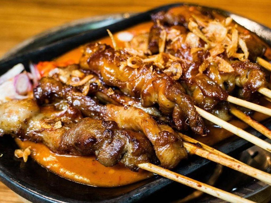 Sate Kambing Juicy hingga Sushi Bisa Jadi Menu Makan Siang di FX Sudirman