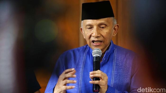 Amien Rais mengaku sepakat dengan langkah rekonsiliasi Jokowi-Prabowo. Namun, dia menilai upaya rekonsiliasi lucu jika diwujudkan dalam bagi-bagi kursi.