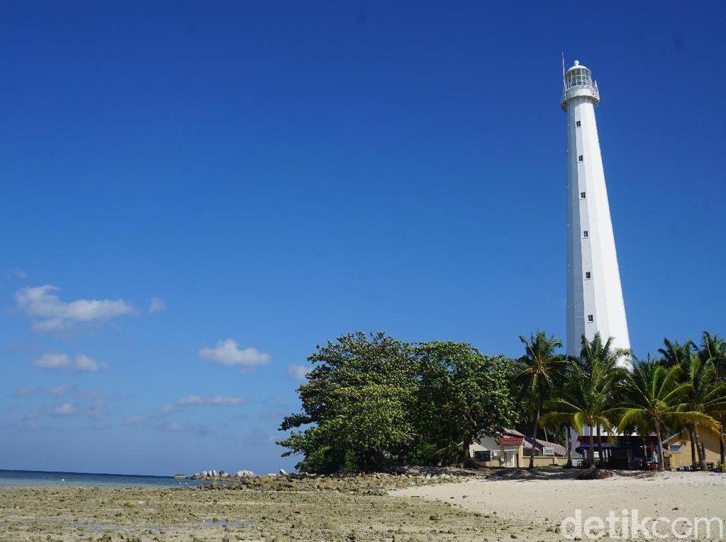 Cantik Rupawan Pulau Lengkuas di Bumi Laskar Pelangi