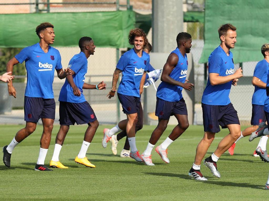 Siapa Bilang Ruang Ganti Barcelona Menolak Griezmann?