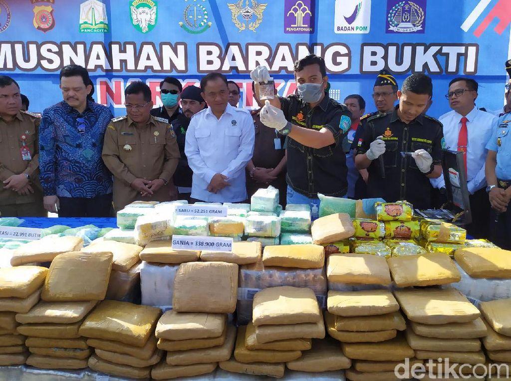 BNN Musnahkan 52 Kg Sabu Serta 22.766 Pil Ekstasi di Aceh