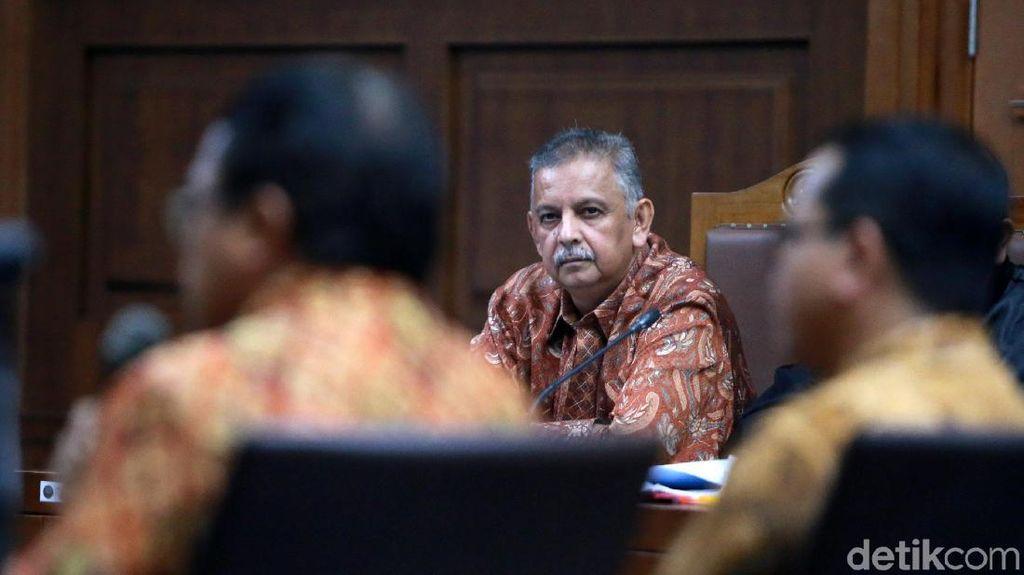 Kala Sofyan Basir Serius Mendengarkan Keterangan Para Saksi