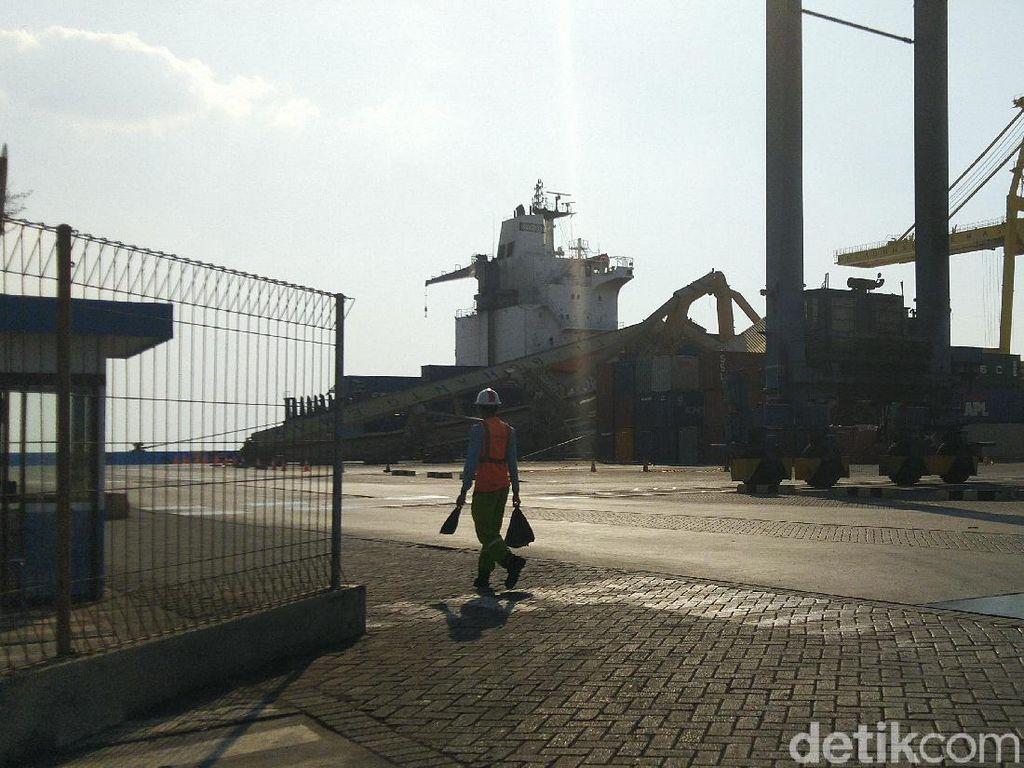 Kapal yang Tabrak Crane di Semarang Diduga Alami Gangguan Mesin