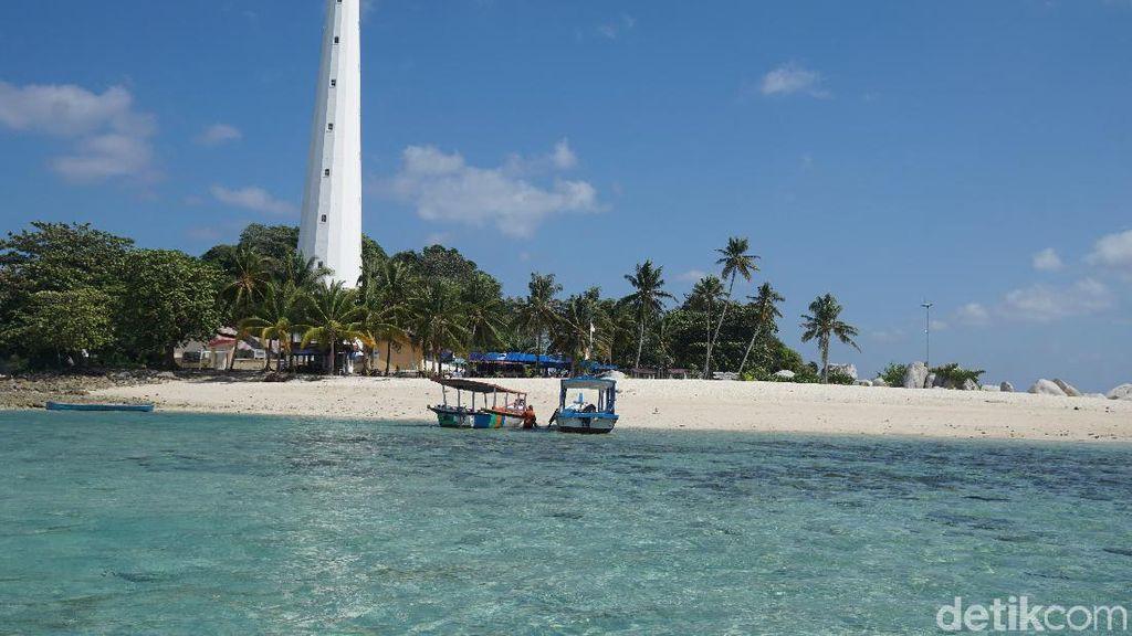 Potret Pulau Mercusuar di Belitung