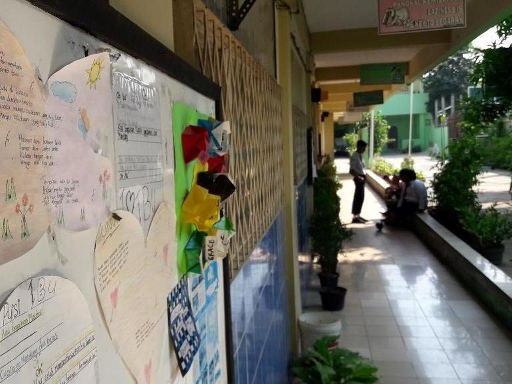 SMP di Bekasi yang Cuma Punya 2 Siswa Baru Terancam Ditutup