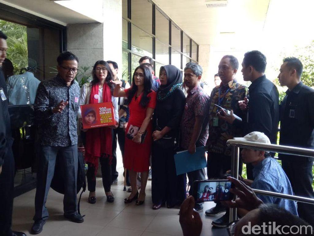 Sambangi Istana, Baiq Nuril akan Ajukan Amnesti ke Jokowi