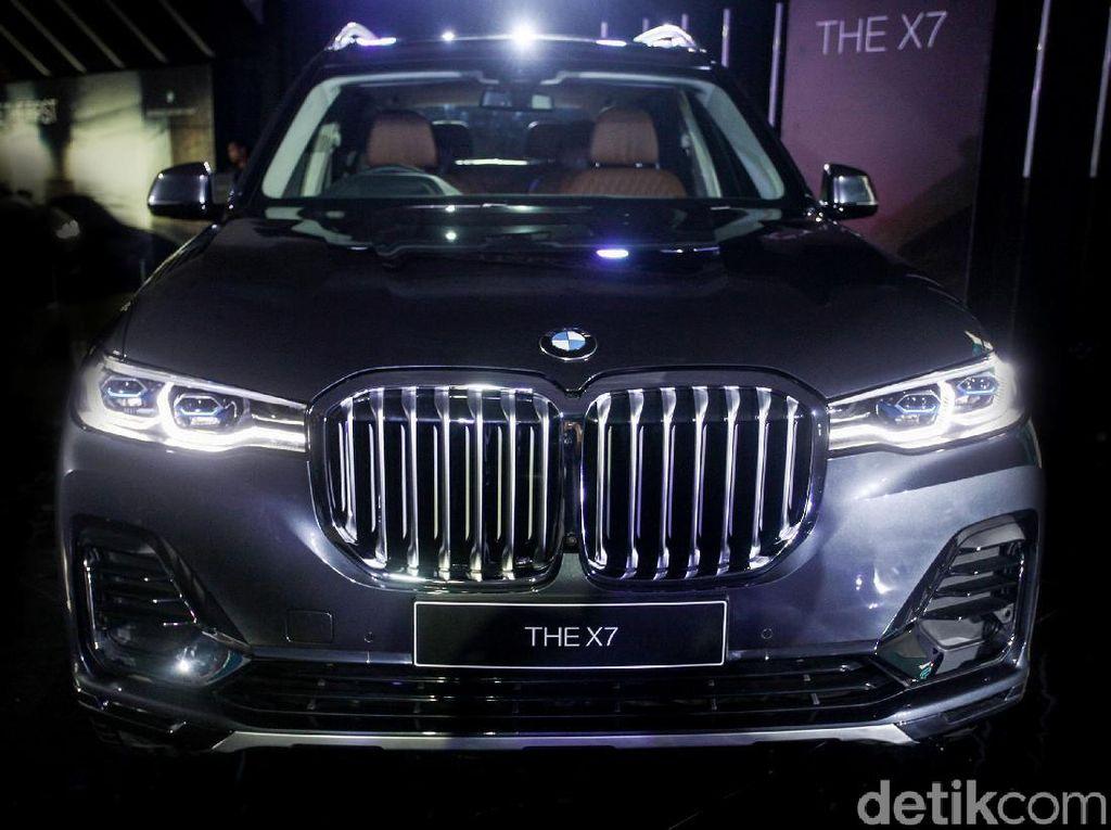 Video: Lebih Dekat dengan Mobil Termewah BMW X7 The President
