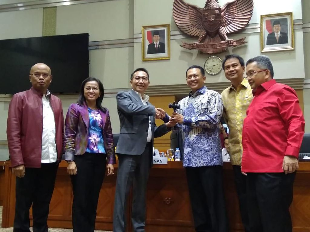 Herman Hery Gantikan Trimedya Panjaitan Jadi Wakil Ketua Komisi III