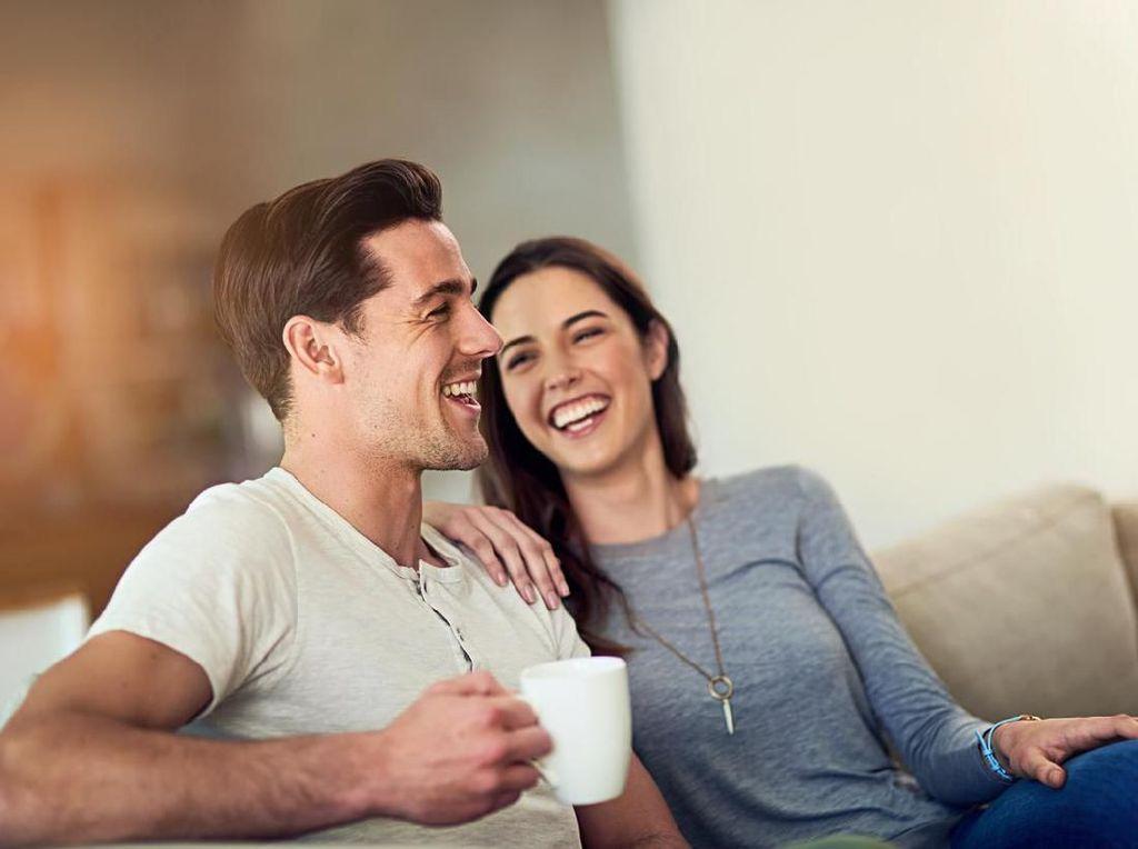 Benarkah Pria Lebih Humoris daripada Wanita? Begini Fakta Studinya