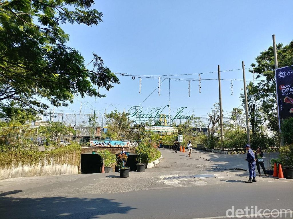 Atasi Macet, Pemkot Bandung Bakal Bongkar Taman dan Tutup Parkiran PVJ
