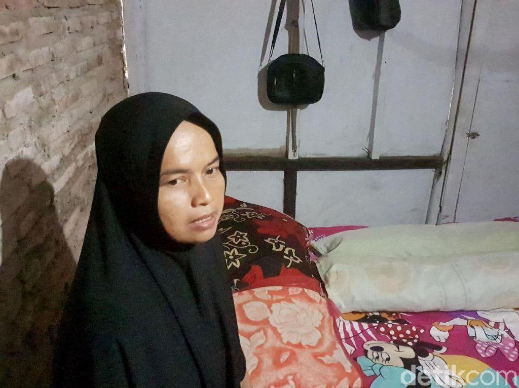Guru Honorer Tinggal di WC SD Pandeglang, Ini Kata JK