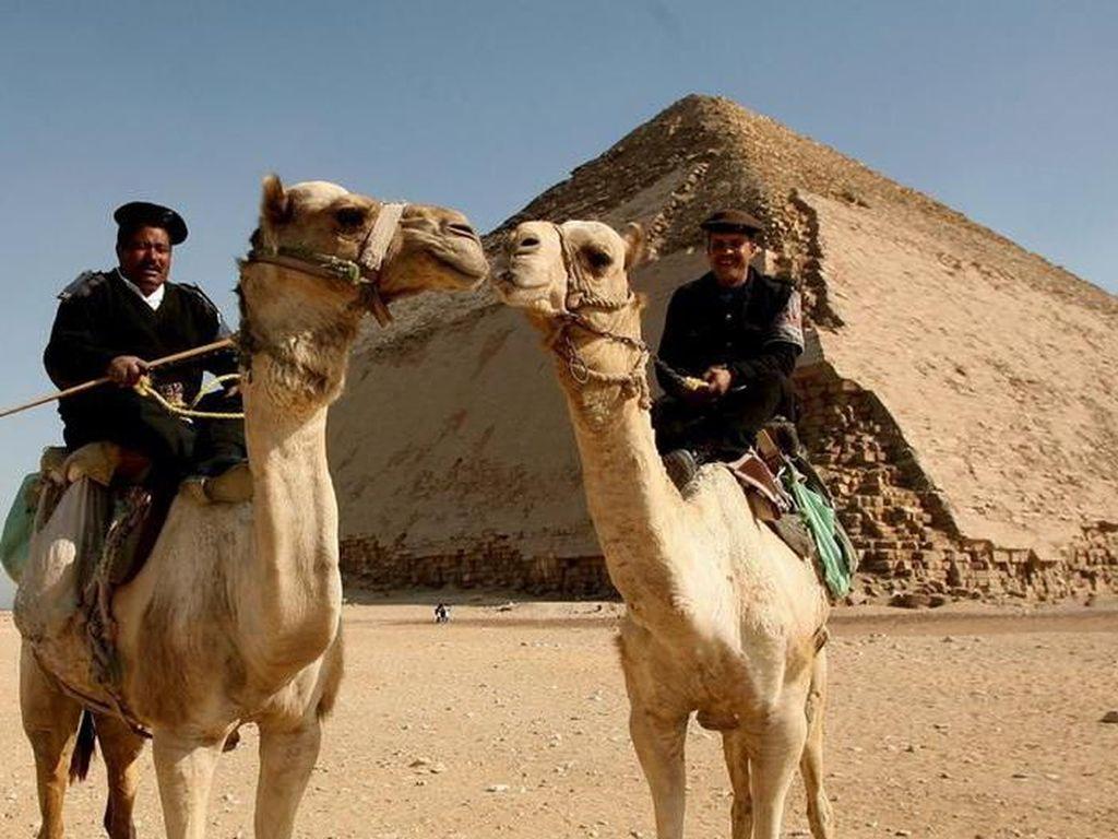 Piramida Bungkuk di Mesir Kini Dibuka Untuk Turis