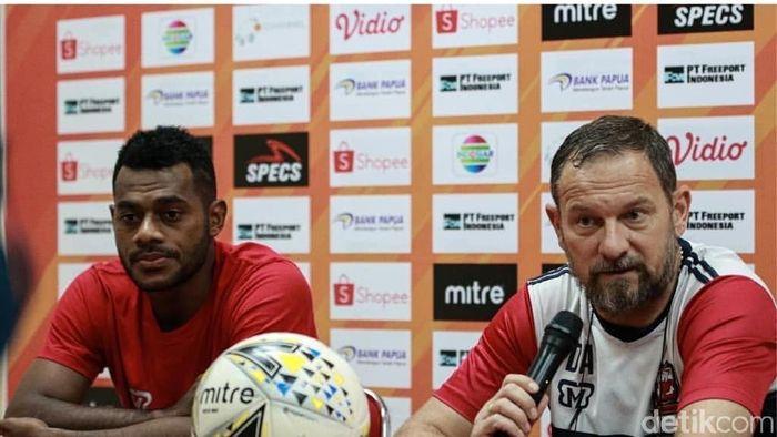 Pelatih Madura United Dejan Antonic mewaspadai misi bangkit Persipura Jayapura (Jeka Kampai/detikSport)
