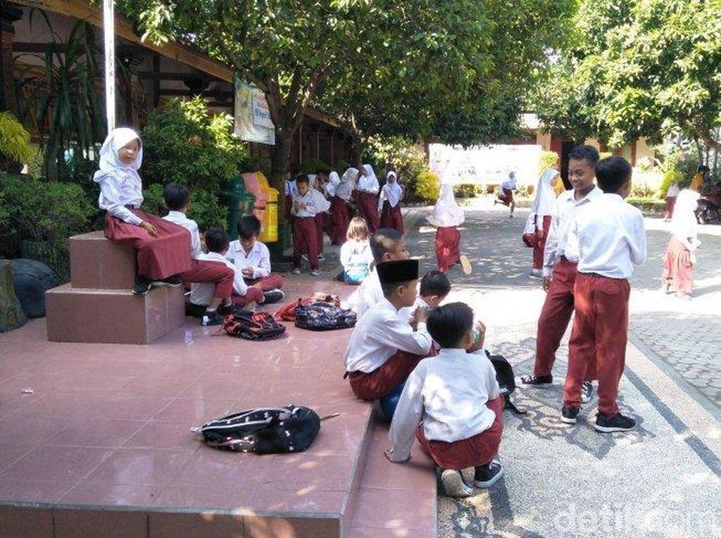 Imbas Gempa Bali, Siswa SD di Mataram Dipulangkan Lebih Cepat