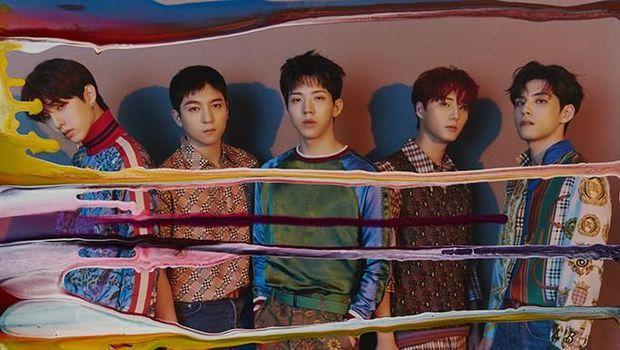 BTS, DAY6, EXO, <a href='https://uzone.id/tag/pentagon' alt='Pentagon' title='Pentagon'>Pentagon</a> Rajai Tangga Album Dunia Billboard