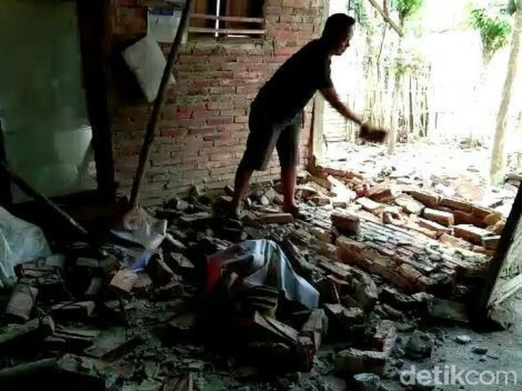 Kesaksian Korban Gempa Bali di Banyuwangi Melihat Tembok Rumahnya Ambrol