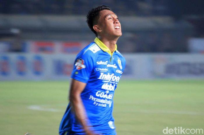 Febri Hariyadi menjadi pahlawan Persib dengan dua golnya.