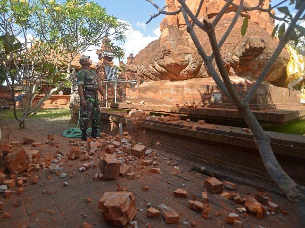 5 Warga Luka dan 27 Bangunan-Pura Rusak Akibat Gempa M 6 di Bali