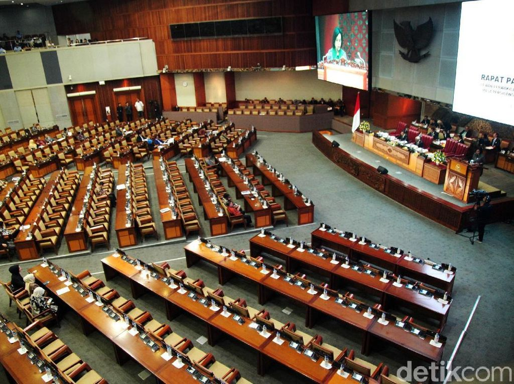 Banyak Kursi Kosong di Rapat Paripurna DPR