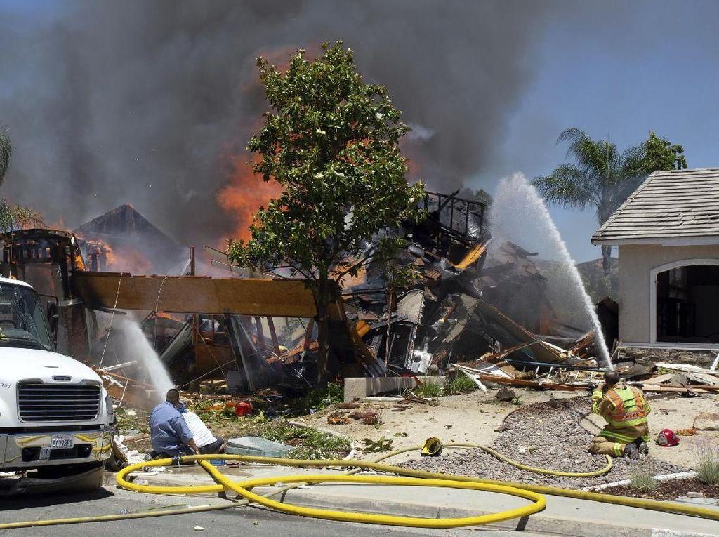 Ledakan Dahsyat Guncang Rumah di California, 1 Orang Tewas dan 15 Luka