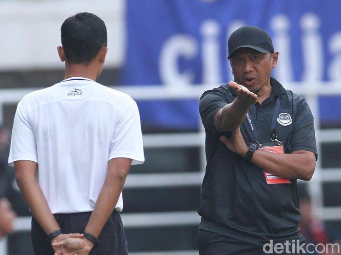 Pelatih Tira Persikabo, Rahmad Darmawan, memuji PSM Makassar. (Foto: Rifkianto Nugroho/detikSport)
