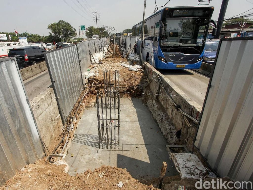 Akhirnya, Revitalisasi JPO Jembatan Gantung Dimulai