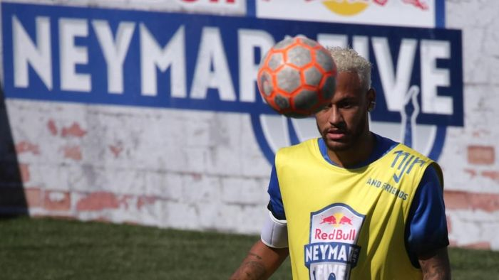 Neymar tak menutup kemungkinan untuk pindah ke Juventus. (Foto: REUTERS/Rahel Patrasso)