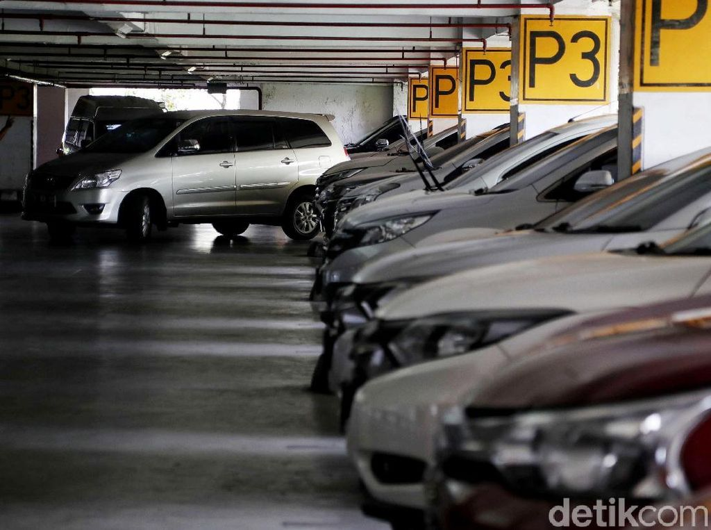 Tarif Parkir di Jakarta akan Naik Tahun Ini