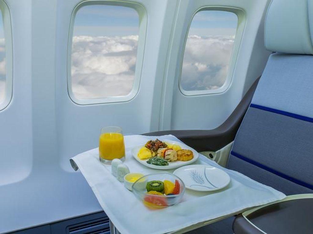 Maskapai Ini Jual Makanan Pesawat untuk yang Kangen Traveling