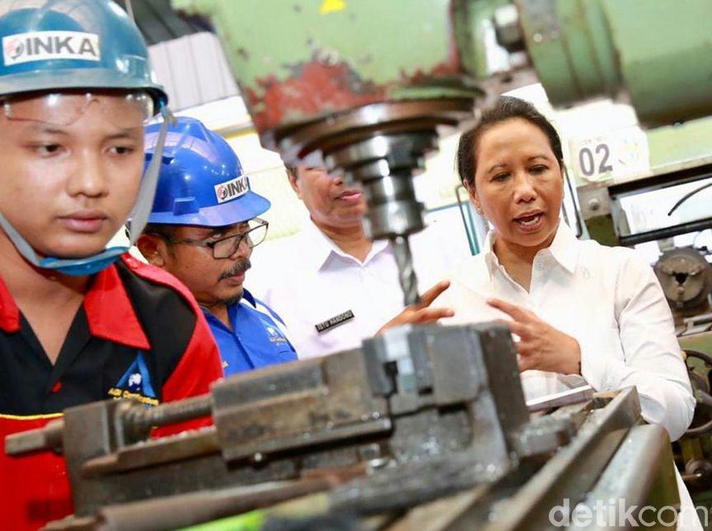 Rini Minta BUMN Rekrut 50 Ribu Karyawan Baru
