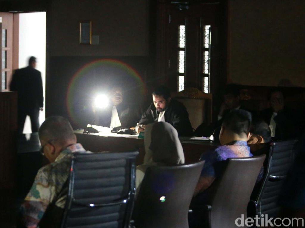 4 Pejabat Kementrian PUPR Jalani Sidang Tuntutan
