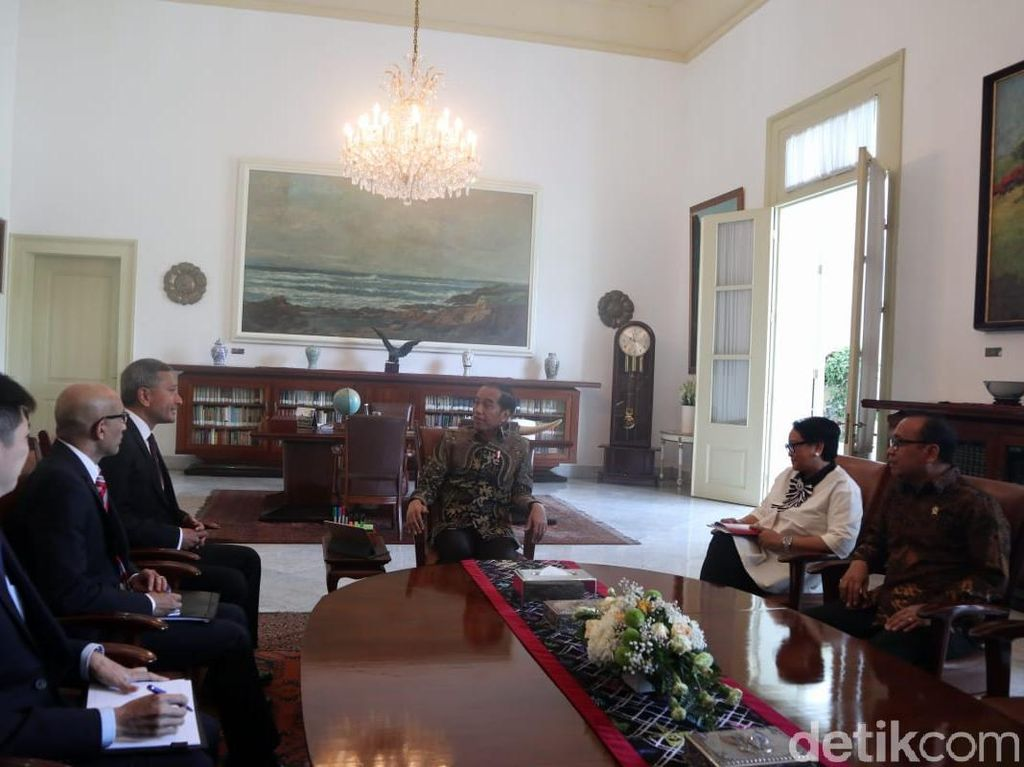 Jokowi Bertemu Menlu Singapura, Dapat Ucapan Selamat Menang Pilpres