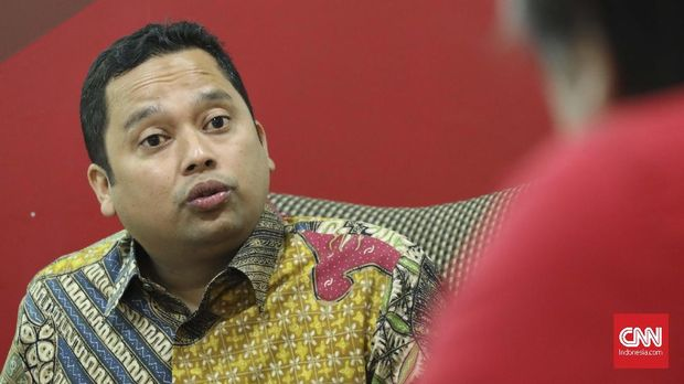Wali Kota Tangerang Arief Rachadiono Wismansyah sempat melaporkan balik Menkumham Yasonna Laoly ke kepolisian.