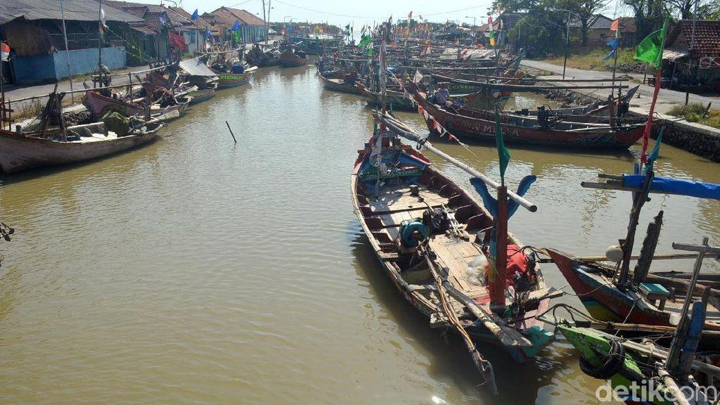 Cuaca Buruk, Nelayan di Cirebon Tidak Melaut