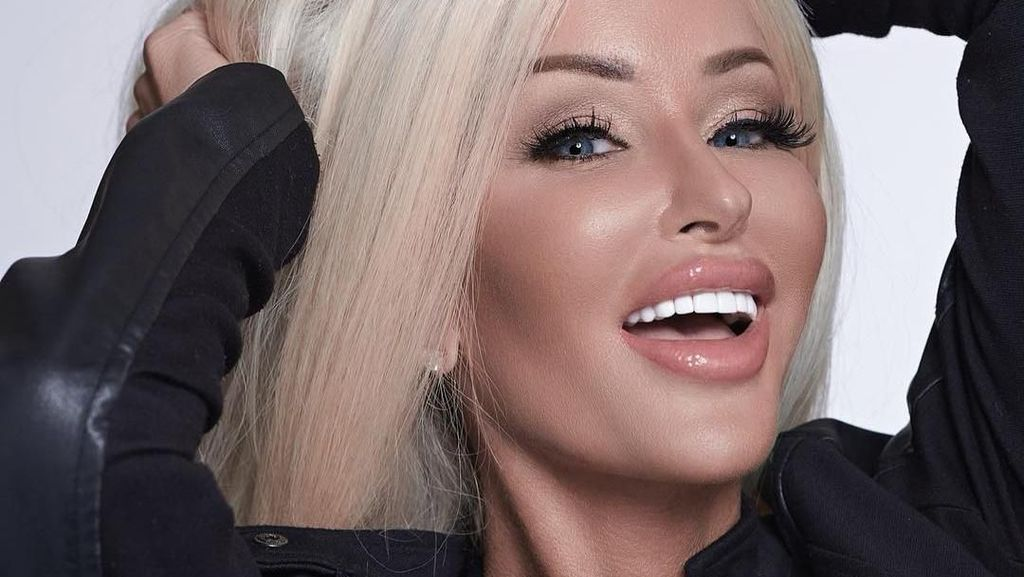 Potret Selebgram yang Dilamar Banyak Pria Usai Oplas Rp 6,4 M Mirip Barbie