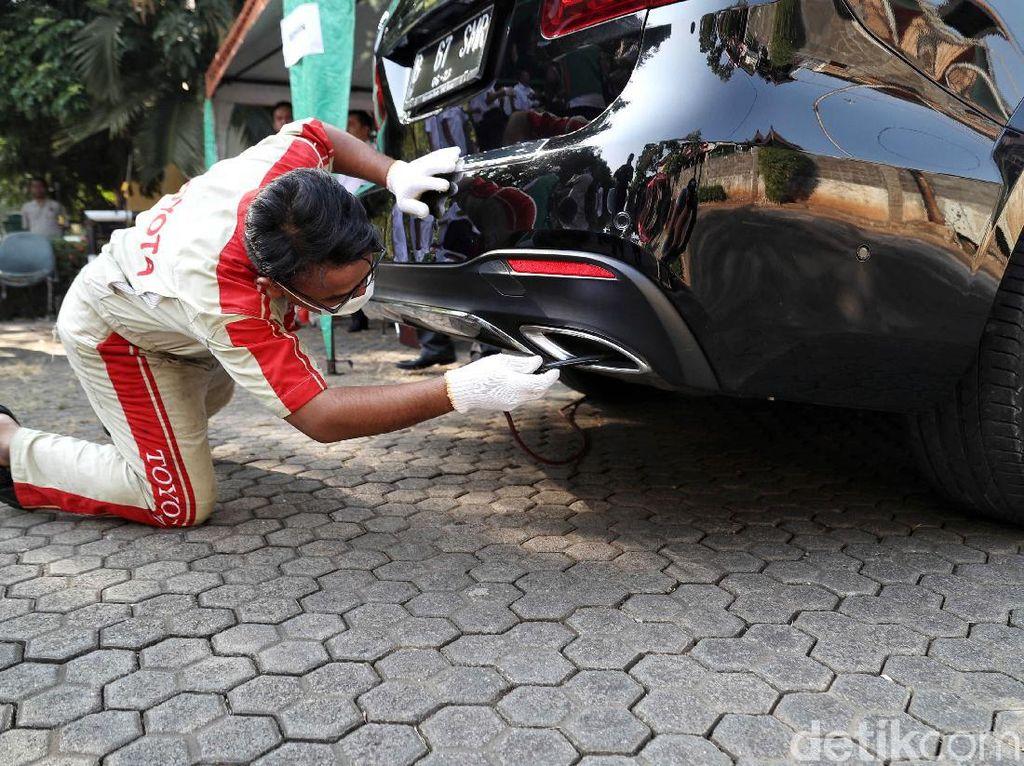 Anies Wajibkan Motor-Mobil Uji Emisi, Bisa Gratis di Bengkel Resmi Lho