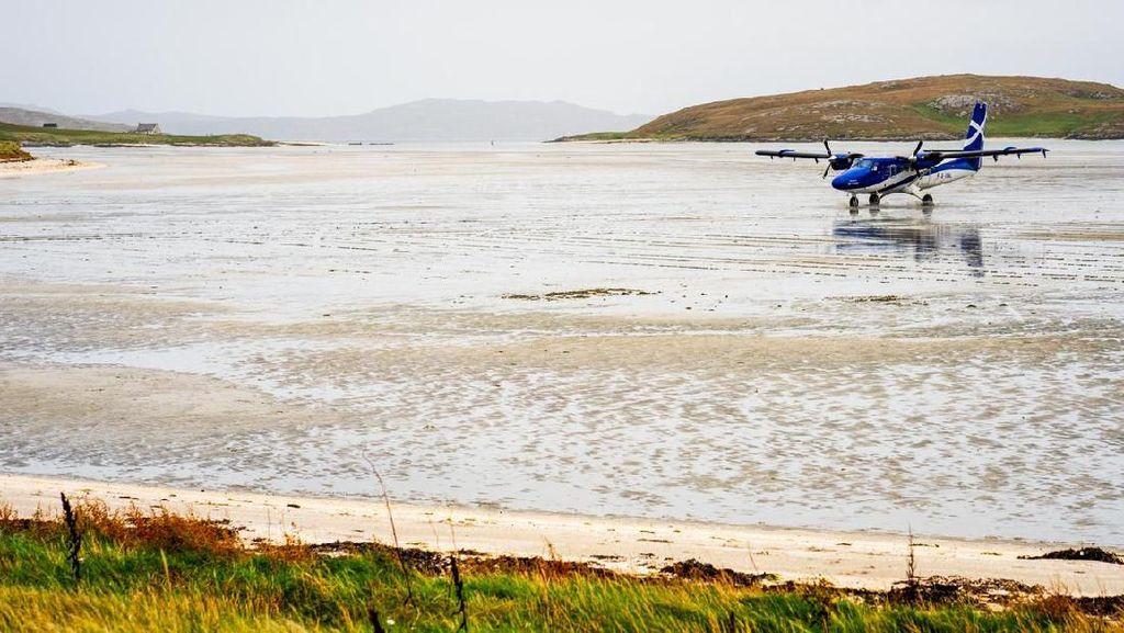 Foto: Pantai yang Jadi Landasan Pacu Pesawat