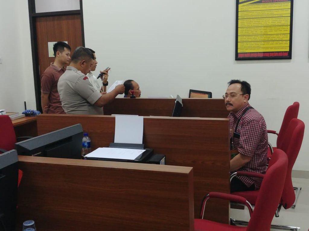 Hakim yang Dipukul Pengacara TW Masih Buat Laporan di Polres Jakpus