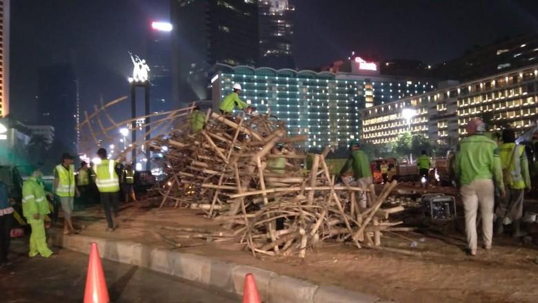 Bambu Getah Getih Dibongkar! Dinas Kehutanan DKI: Sudah pada Jatuh, Membahayakan Masyarakat