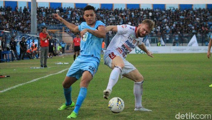 Persela Lamongan menang 2-0 atas Bali United. (Foto: Eko Sudjarwo/detikcom)